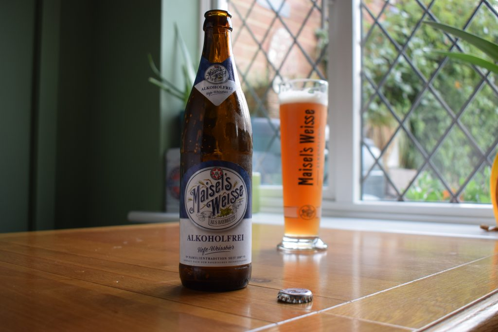 Maisel's Weisse Alkoholfrei bottle and branded glass