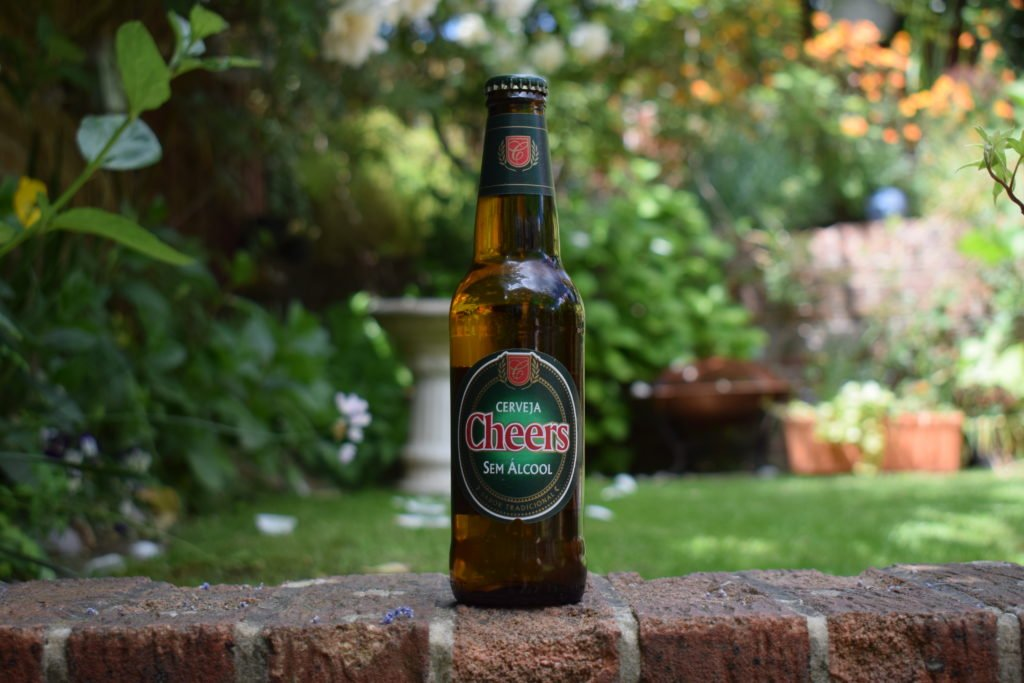 Cerveja Cheers Branca non-alcoholic lager bottle