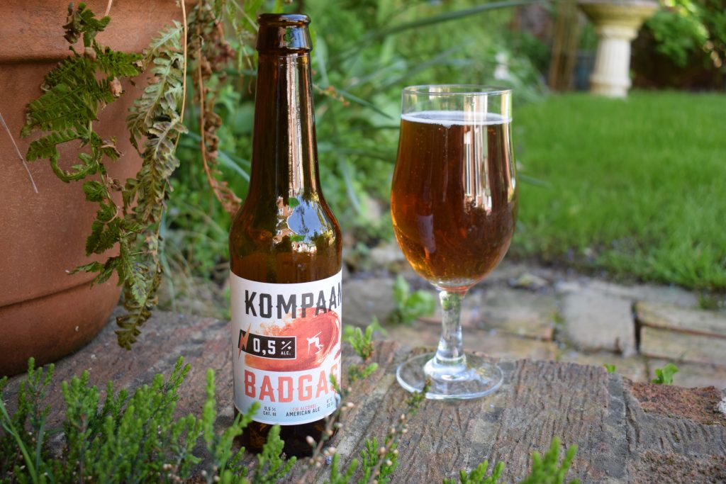 Kompaan Badgast Ripped bottle and glass