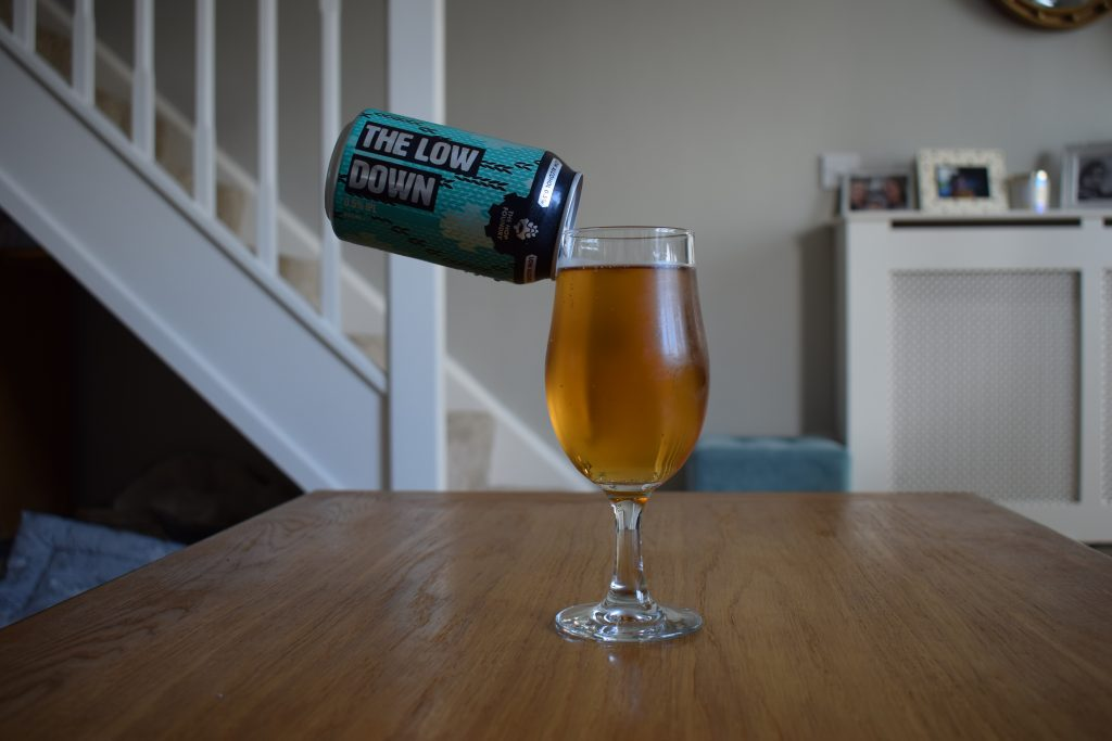 Aldi/Hop Foundry Low Down non-alcoholic IPL can and glass