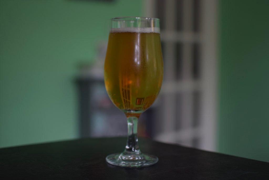 Glass of Big Drop Fieldhopper