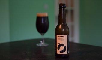 Nogne Svart/Hvit glass and bottle